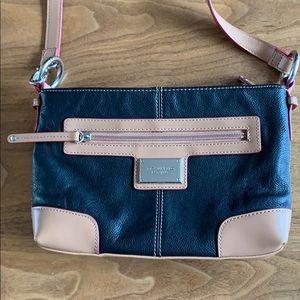 EUC Tignanello crossbody purse
